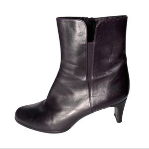 Stuart Weitzman Brown Leather Boots Size 9M